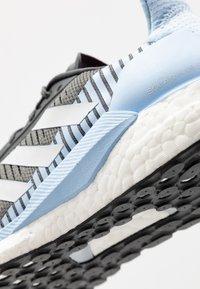 adidas Performance - SOLAR GLIDE ST 19 - Zapatillas de running neutras - grey six/grey one/glow blue - 5