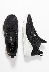 adidas Performance - ALPHABOUNCE PARLEY - Neutrální běžecké boty - core black/linen green/footwear white - 1