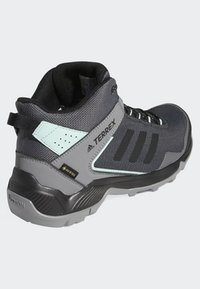 adidas Performance - TERREX EASTRAIL MID GTX SHOES - Chaussures de marche - grey - 3