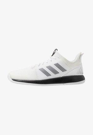 DEFIANT BOUNCE 2 - Multicourt tennis shoes - footwear white/core black