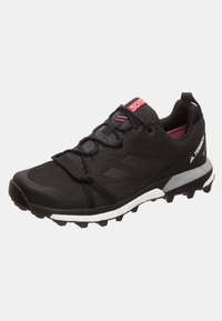 adidas Performance - TERREX SKYCHASER LT GORE TEX HIKING SHOES - Hiking shoes - anthracite - 2