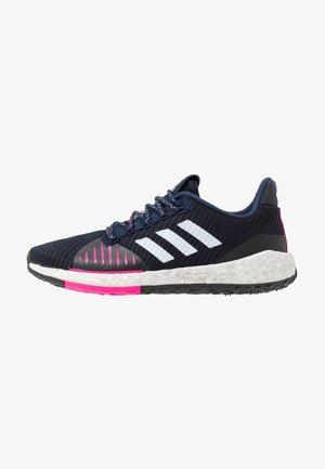 PULSEBOOST HD PRCT - Neutral running shoes - collegiate navy/footwear white/shock pink