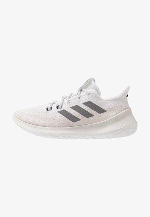 SENSEBOUNCE - Hardloopschoenen neutraal - footwear white/grey three/chalk pearl