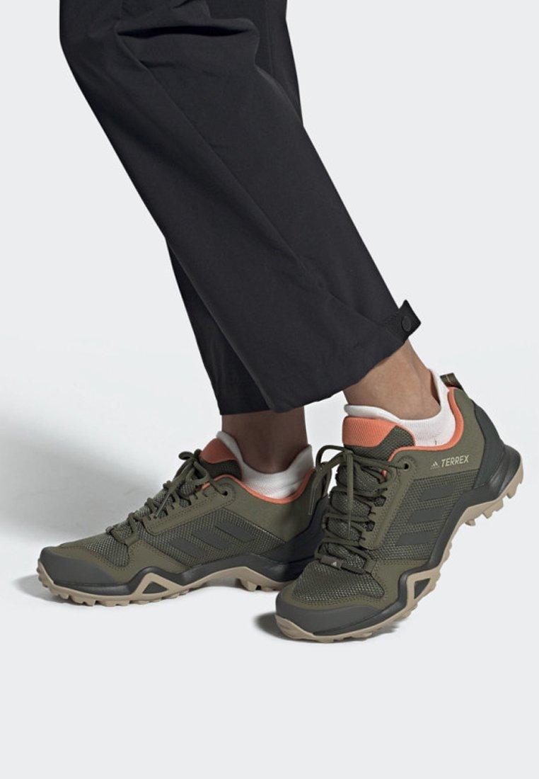 adidas Performance - TERREX AX3 SHOES - Hikingschuh - brown