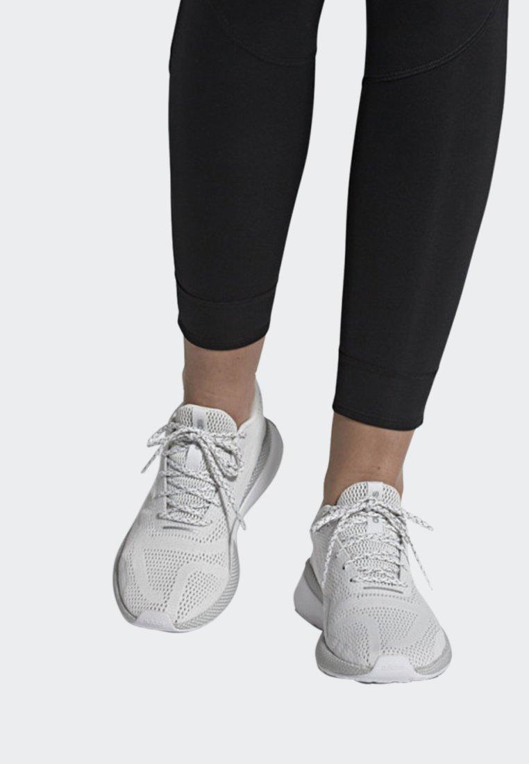 adidas Performance - NOVA RUN X SHOES - Juoksukenkä/neutraalit - white