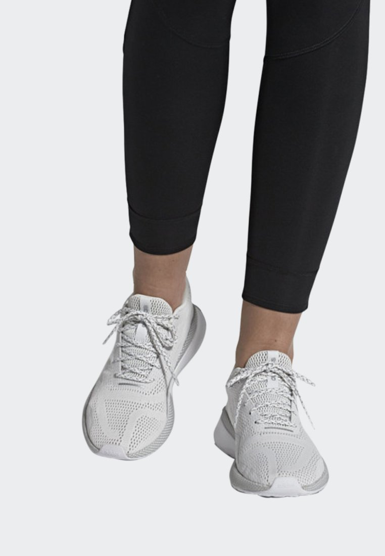 adidas Performance - NOVA RUN X SHOES - Scarpe running neutre - white