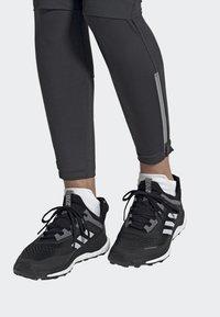 adidas Performance - TERREX AGRAVIC FLOW SHOES - Laufschuh Neutral - black - 0