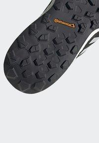 adidas Performance - TERREX AGRAVIC FLOW SHOES - Laufschuh Neutral - black - 6