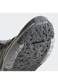 adidas Performance - PULSEBOOST HD SHOES - Hardloopschoenen neutraal - gray - 7