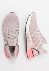 adidas Performance - ULTRABOOST 20  - Obuwie do biegania treningowe - new rose/light flash red