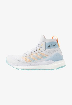 TERREX FREE HIKER PARLEY - Trekingové boty - dash grey/easy blue/real gold