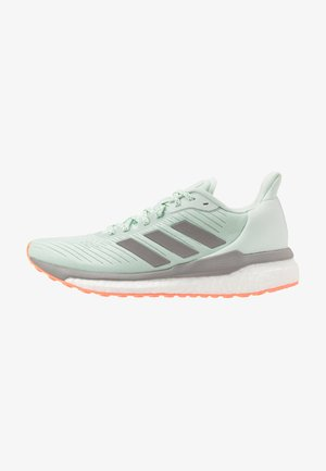 SOLAR DRIVE 19 - Neutral running shoes - green/dove grey/signal coral