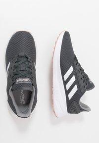 adidas Performance - DURAMO 9 - Obuwie do biegania treningowe - grey six/footwear white/pink spice - 1