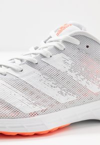 adidas Performance - ADIZERO RC 2 - Obuwie do biegania treningowe - dash grey/footwear white/signal coral - 5