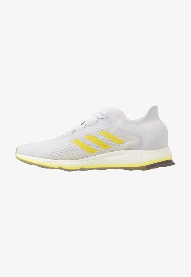 FOCUS BREATHE - Zapatillas de running neutras - grey/shock yellow/cloud white
