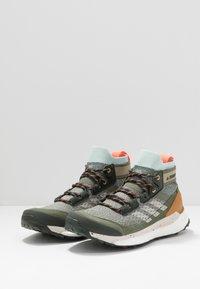 adidas Performance - TERREX FREE HIKER - Hiking shoes - grey/aluminum/green tint - 2