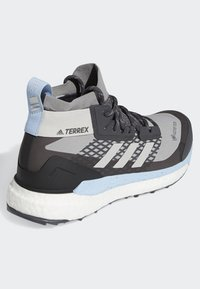 adidas Performance - TERREX FREE HIKER GTX SHOES - Hiking shoes - grey - 4