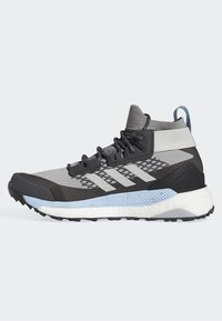 adidas Performance - TERREX FREE HIKER GTX SHOES - Hiking shoes - grey - 8
