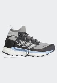 adidas Performance - TERREX FREE HIKER GTX SHOES - Hiking shoes - grey - 10