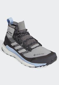adidas Performance - TERREX FREE HIKER GTX SHOES - Hiking shoes - grey - 3