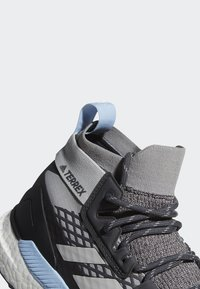 adidas Performance - TERREX FREE HIKER GTX SHOES - Hiking shoes - grey - 11