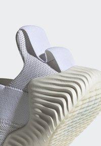 adidas Performance - ALPHABOUNCE TRAINER  - Treningssko - white - 7