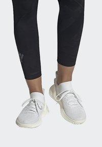 adidas Performance - ALPHABOUNCE TRAINER  - Treningssko - white - 0