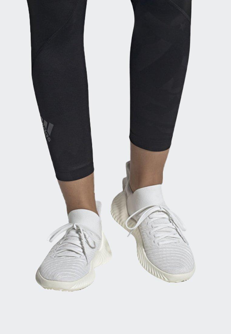 adidas Performance - ALPHABOUNCE TRAINER  - Treningssko - white