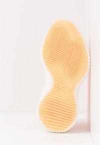 adidas Performance - ALPHABOUNCE TRAINER  - Treningssko - hi-res coral/glow orange/core white - 4