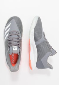 adidas Performance - CRAZYFLIGHT BOUNCE 3 - Volleyball shoes - grey three/footwear white/signal coral - 1
