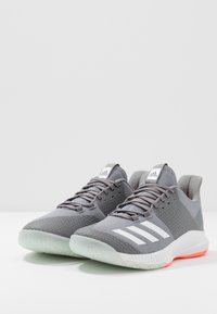 adidas Performance - CRAZYFLIGHT BOUNCE 3 - Volleyball shoes - grey three/footwear white/signal coral - 2