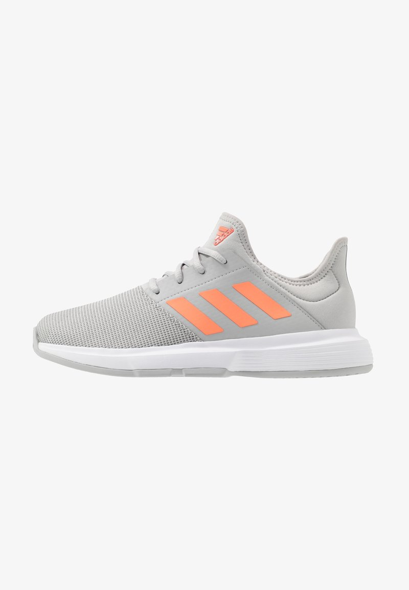 adidas Performance - GAMECOURT - Buty tenisowe uniwersalne - grey two/signal orange/grey three