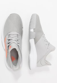 adidas Performance - GAMECOURT - Buty tenisowe uniwersalne - grey two/signal orange/grey three - 1