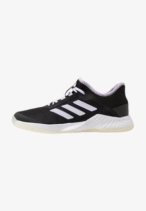 ADIZERO CLUB - Tenisové boty na všechny povrchy - core black/prurple tint/footwear white