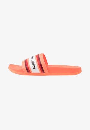 ADILETTE COMFORT - Badslippers - signal coral/collegiate burgundy/footwear white
