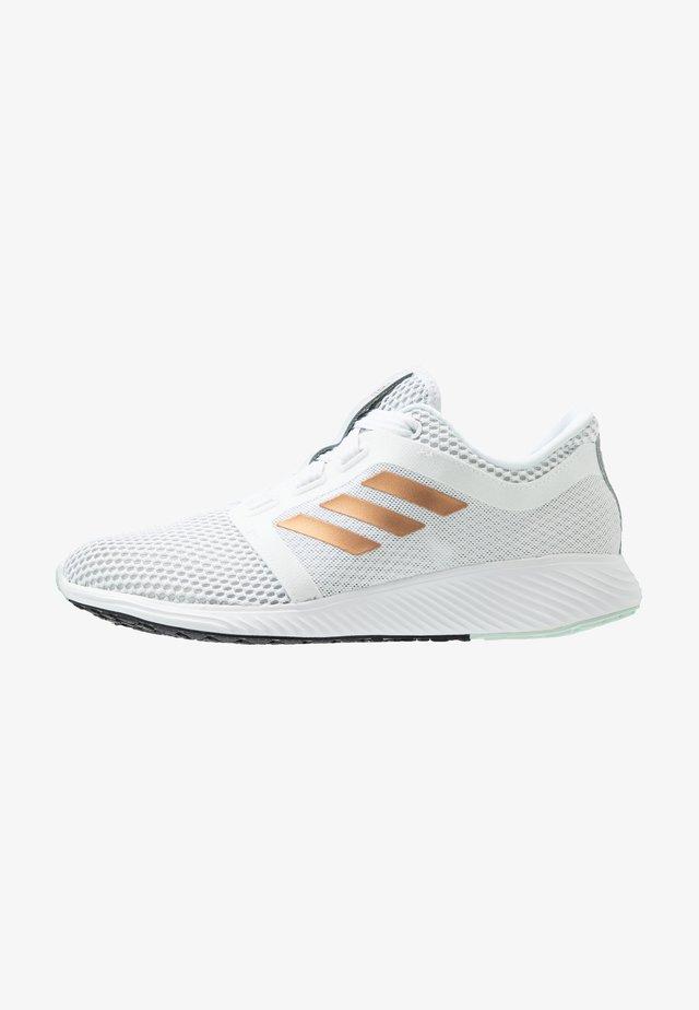 EDGE LUX 3 - Neutral running shoes - footwear white/copper metallic/green