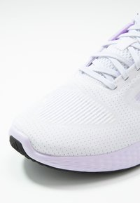 adidas Performance - EDGE RC 3 - Zapatillas de running neutras - footwear white/silver metallic/purple tint - 5