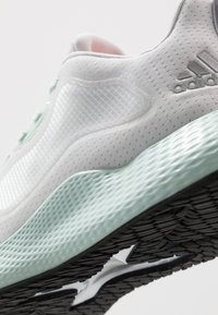 adidas Performance - EDGE RC 3 - Neutral running shoes - dash grey/silver metallic/dash green - 5