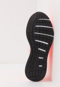 adidas Performance - SOORAJ - Nøytrale løpesko - signal coral/footwear white/core black - 4
