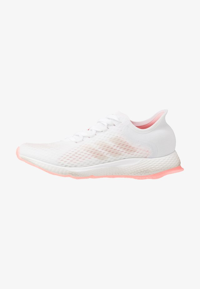 FOCUS BREATHE IN - Zapatillas de running neutras - footwear white/glow pink