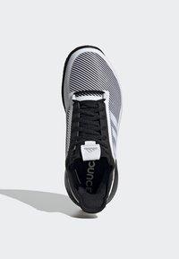adidas Performance - DEFIANT BOUNCE 2.0 SHOES - Clay court tennissko - black - 2