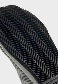 adidas Performance - DEFIANT BOUNCE 2.0 SHOES - Clay court tennissko - black - 9