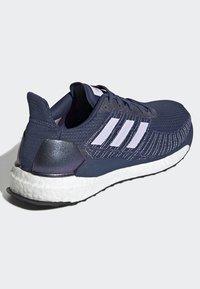 adidas Performance - SOLARBOOST 19 SHOES - Obuwie do biegania Stabilność - blue/purple/orange - 4