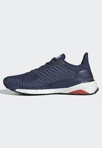 adidas Performance - SOLARBOOST 19 SHOES - Obuwie do biegania Stabilność - blue/purple/orange - 7