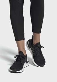 adidas Performance - ULTRABOOST 20 SHOES - Trainers - black - 0