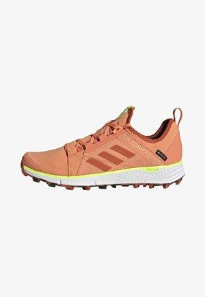 TERREX SPEED GORE-TEX TRAIL RUNNING SHOES - Løpesko for mark - pink