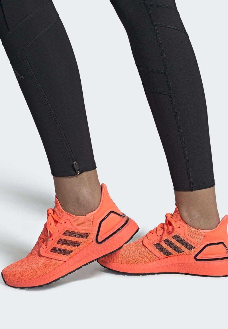 adidas Performance - ULTRABOOST 20 SHOES - Nøytrale løpesko - orange
