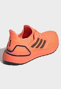 adidas Performance - ULTRABOOST 20 SHOES - Nøytrale løpesko - orange - 4