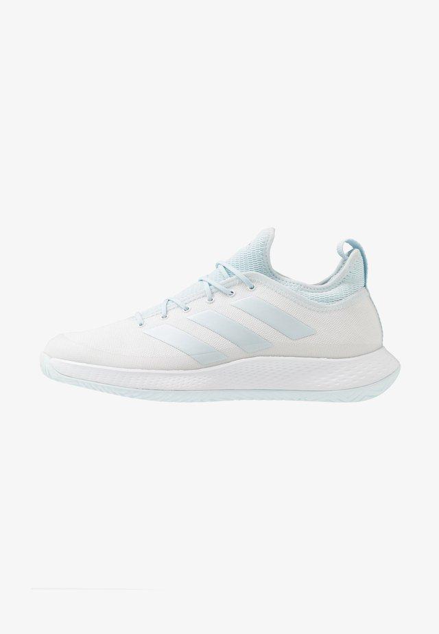 DEFIANT GENERATION - All court tennisskor - footwear white/sky tint