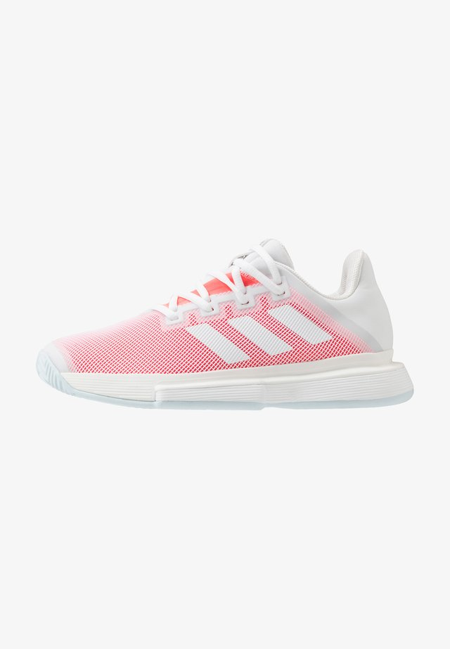 SOLEMATCH BOUNCE - Tennisschoenen voor alle ondergronden - footwear white/signal pink